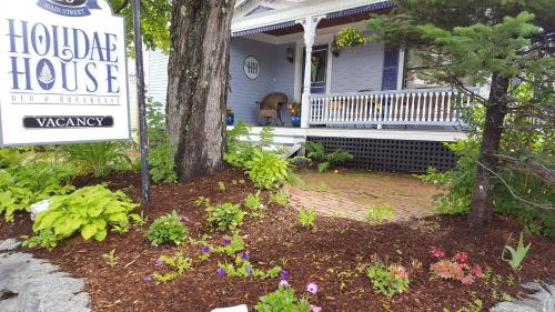 Holidae House Bed & Breakfast
