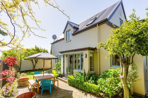 St Albans St Villa - Christchurch Holiday Homes