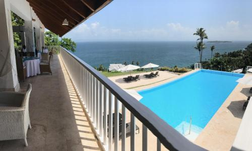 Vista Mare Ocean View Top Floor 1-Bedroom Condo/Suite, Samana