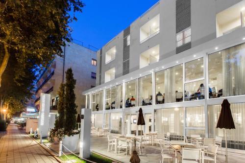 Color Mokambo Shore Design Hotel