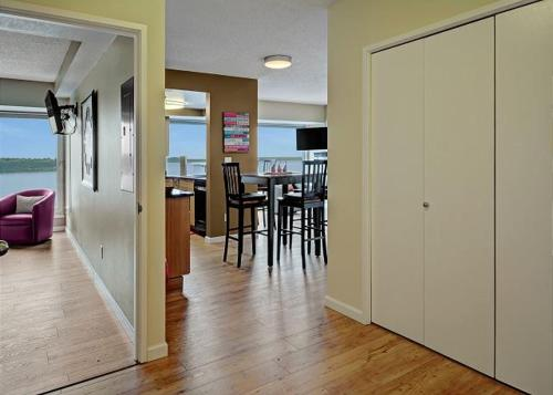 Newmark Tower Soundview Suite - Two Bedroom Apartment