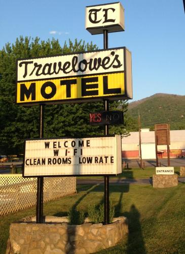 Travelowes Motel - Maggie Valley